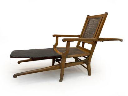 Chaise à porteur pliante en bois et cuir...
