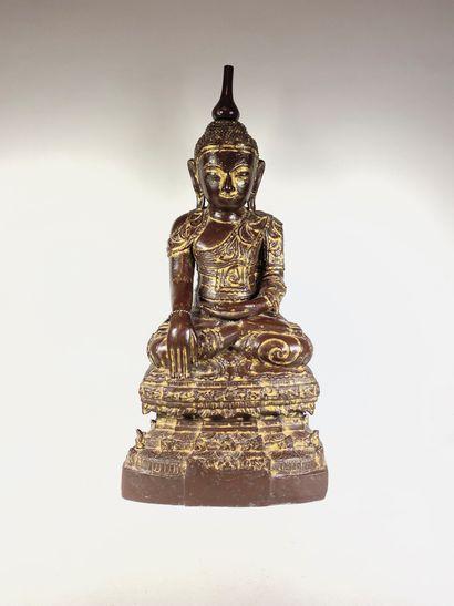 Bouddha assis en méditation, en bois laqué...