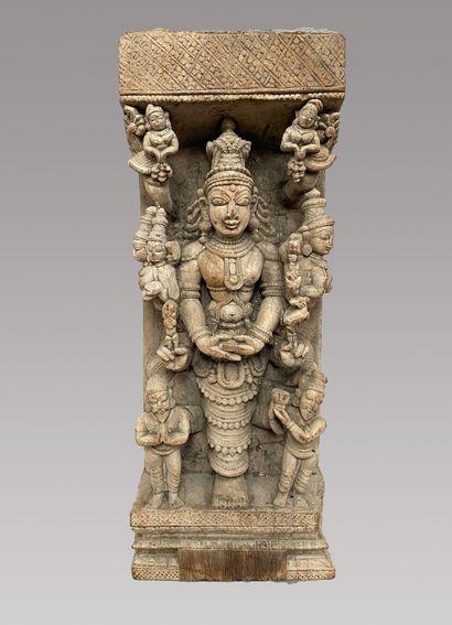 Ecole d'Inde du Sud, vers 1800  Divinité...