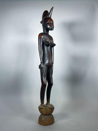 Très belle et grande sculpture féminine de...