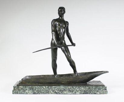 ARTHUR DUPAGNE (1895-1961) Le piroguier. Rare et belle épreuve en bronze à patine...