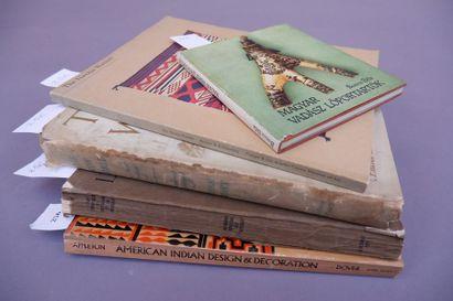 Lot de 2 livres: Hedwig Fechheimer , Kleinplastik der Agypter. Bruno Cassirer Verlag...