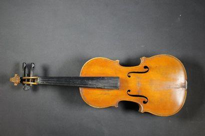 Violon MIRECOURT. Table d'harmonie abîmée,...