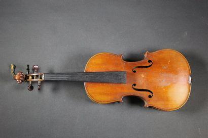 Violon 3/4 MIRECOURT. XXe siècle. Etiquette...