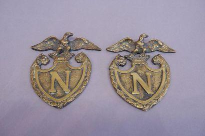 Deux plaques napoléoniennes surmontées d'un...