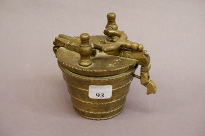 Pile de poids de Nuremberg en bronze.