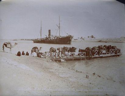 Canal de Suez Lot de 32 tirages albuminés principalement par Peridis et Georgidakis....