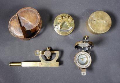 Ensemble de trois instruments de marine:...