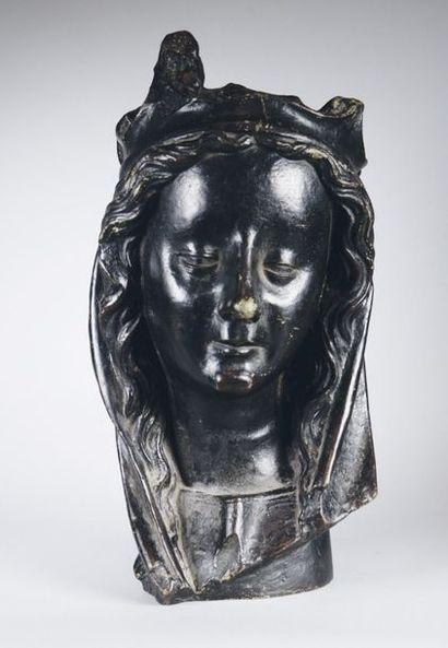 École Française du XIXe siècle Tête de Vierge. Epreuve en bronze d'après un modèle...