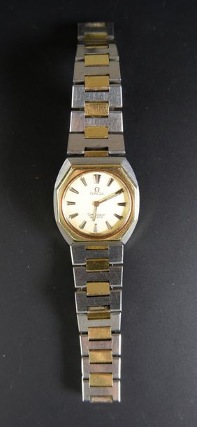 OMEGA Montre bracelet de dame en acier et or jaune 18K (750°/°°) modèle Constellation....