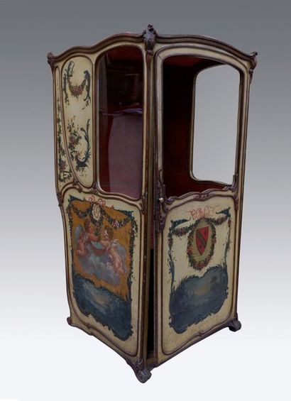 Chaise à porteurs de théâtre en bois peint...