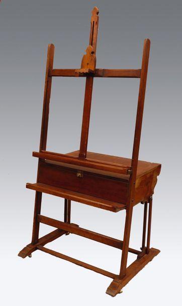 Chevalet en bois. XIXe siècle. H fermé: 178...