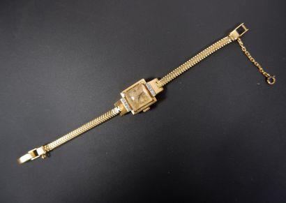 UNIVERSAL GENEVE Montre bracelet de dame...