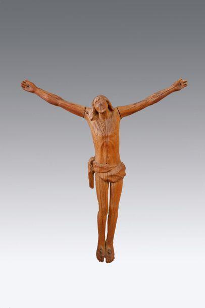 Ecole du XXe siècle dans le goût du XVIIIe siècle Christ en croix. Sculpture en...