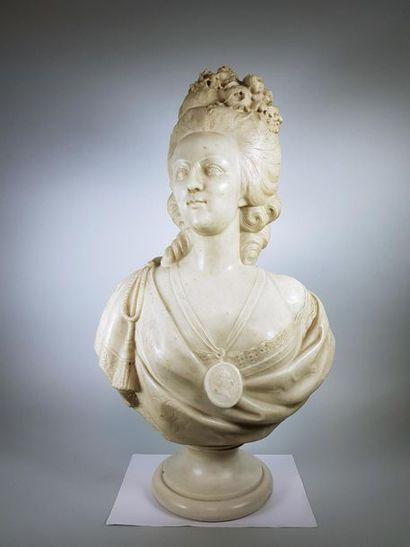 PUGI Frères à Florence Buste de femme. Sculpture...