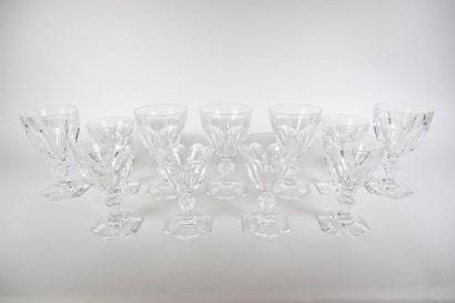 BACCARAT Cinq verres à eau et six verres...