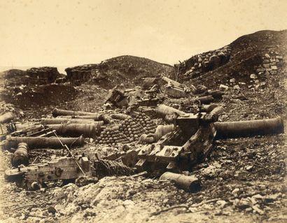 Léon MEHEDIN (L'Aigle 1828-Bonsecours 1905) Pièces brisées dans la Redoute Korniloff...