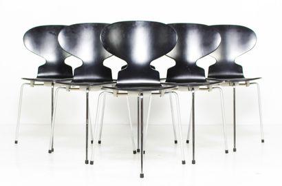 Arne JACOBSEN (1902-1971)  Six chaises