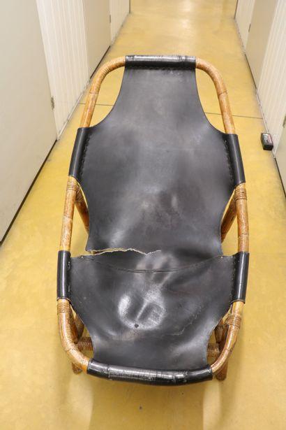 Attribué à Arne TIDEMAND-RUDD (1915-1985) Paire de fauteuils lounge, bambou vernis...