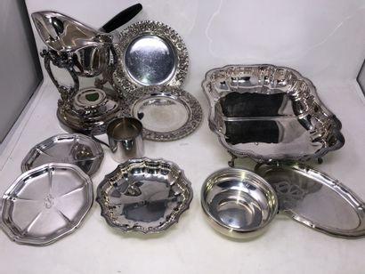 Lot en métal et métal argenté, XXe siècle,...
