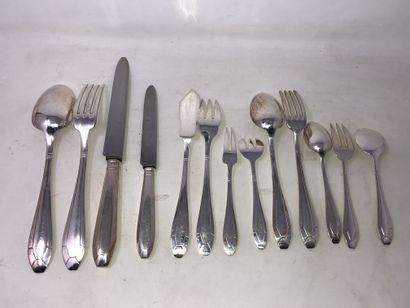 Ménagère en métal argenté, comprenant:  -...