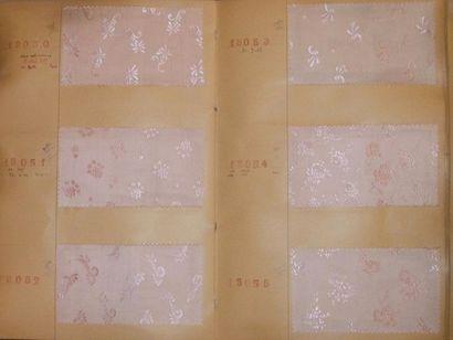Album d'échantillons, circa 1948, façonné...
