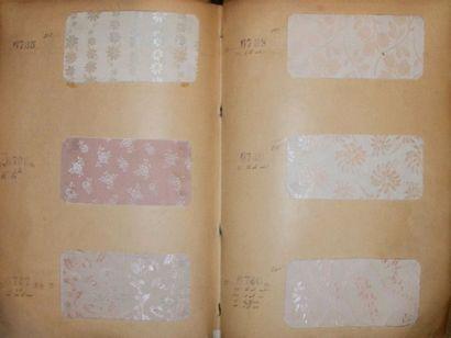 Album d'échantillons, circa 1917, façonné...