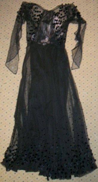 Robe, début XXème siècle, tulle noire ornée...