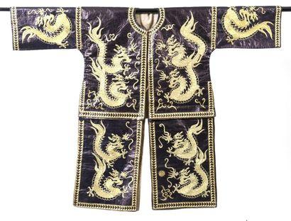 Robe dragon Dong, Chine, Gungxi, toile indigo...