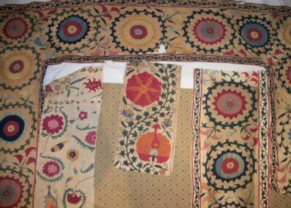 Éléments de bordure en broderie Susani, Ouzbékistan,...