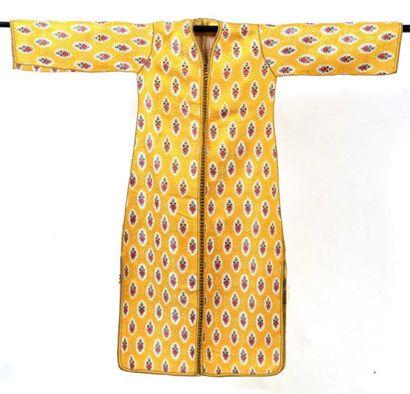 Kaftan, Maroc, brocatelle jaune, décor de...