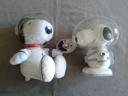 SNOOPY - Deux peluches cosmonautes