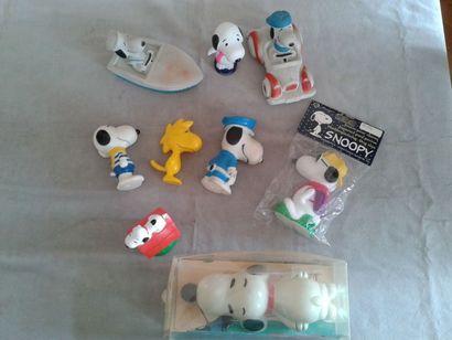 SNOOPY - lot de 8 objets différents, en plastique...