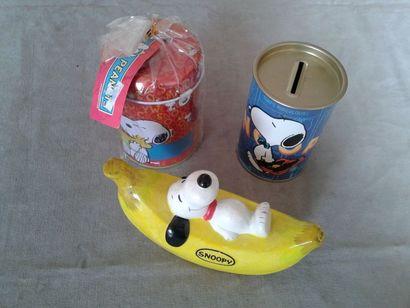 SNOOPY - Lot de 3 objets dont une banane...
