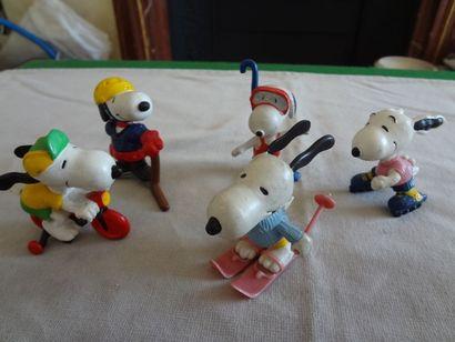 SNOOPY - Lot de 5 personnages en résine