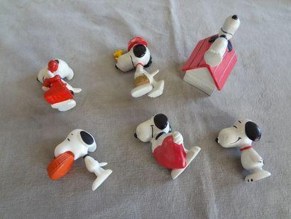 SNOOPY - Lot de 6 personnages en résine