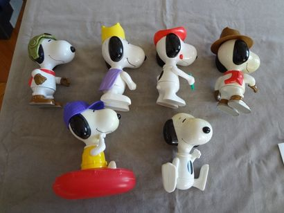 SNOOPY - Lot de 6 personnages en plastique et résine