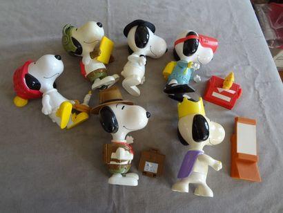 SNOOPY - Lot de 6 personnages en plastique...