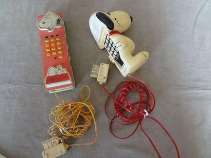 SNOOPY - lot de 2 téléphones anciens mod...