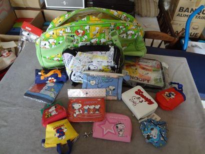 SNOOPY - lot de 13 sacs et pochettes