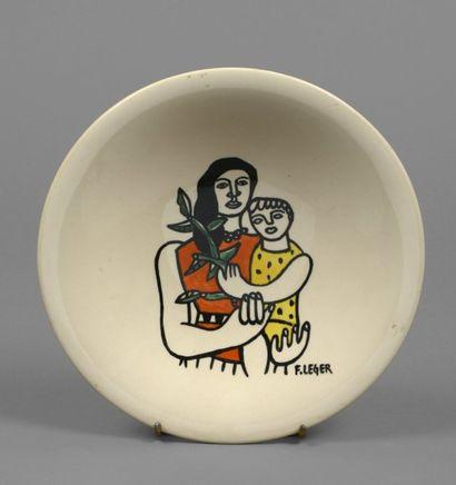 """Fernand LÉGER (1881-1955)  """"Femme et son enfant""""  Assiette en faience, signée """"F...."""