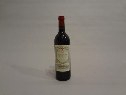 9 Bouteilles - Château Gazin, 1996, Pomerol (9 étiquettes en mauvais état)