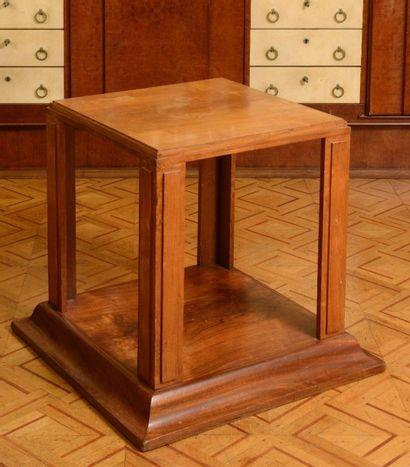 Dans le style Art Déco - BASE de sculpture ou Table basse cubique sur une base à...