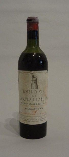 2 Bouteilles - Château Latour, 1948, 1er...