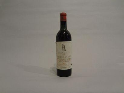 2 Bouteilles - Château Latour, 1956, 1er GCC de Pauillac (2 étiquettes en mauvais...