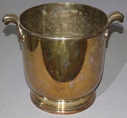 SEAU A RAFRAICHIR à deux anses en métal argenté...