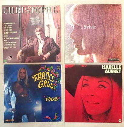 CHANSON FRANCAISE Lot de 28 disques 33 T, de 2 coffrets 33 T et de 5 disques 45 T...
