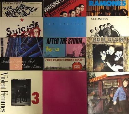 NEW WAVE Lot de 17 disques 33 T et de 1 coffret de Punk et New Wave des années 80...