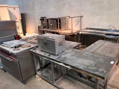 Ensemble d'éléments d'aménagement de cuisine,...