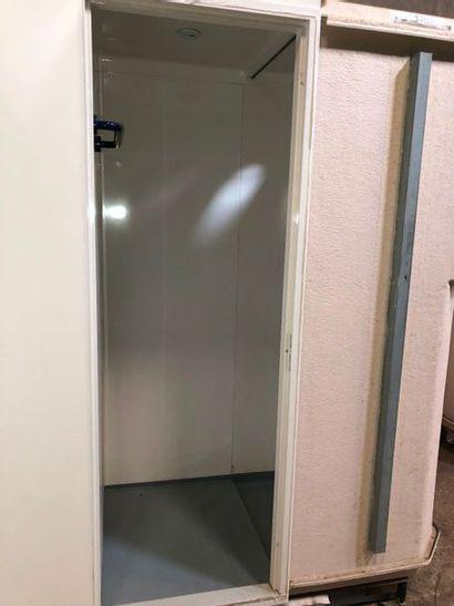 Cabine de douche, dans l'état